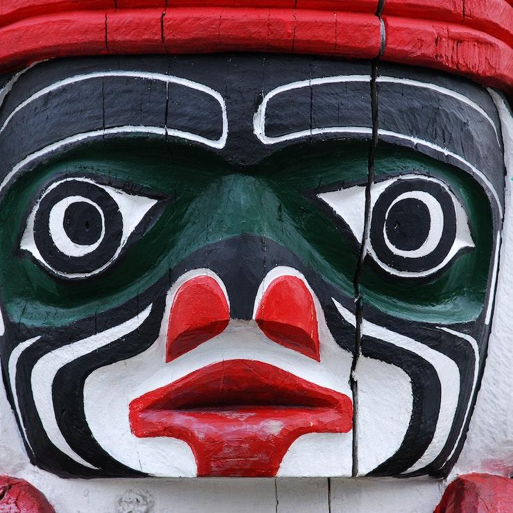 Totempole Victoria native indian-american