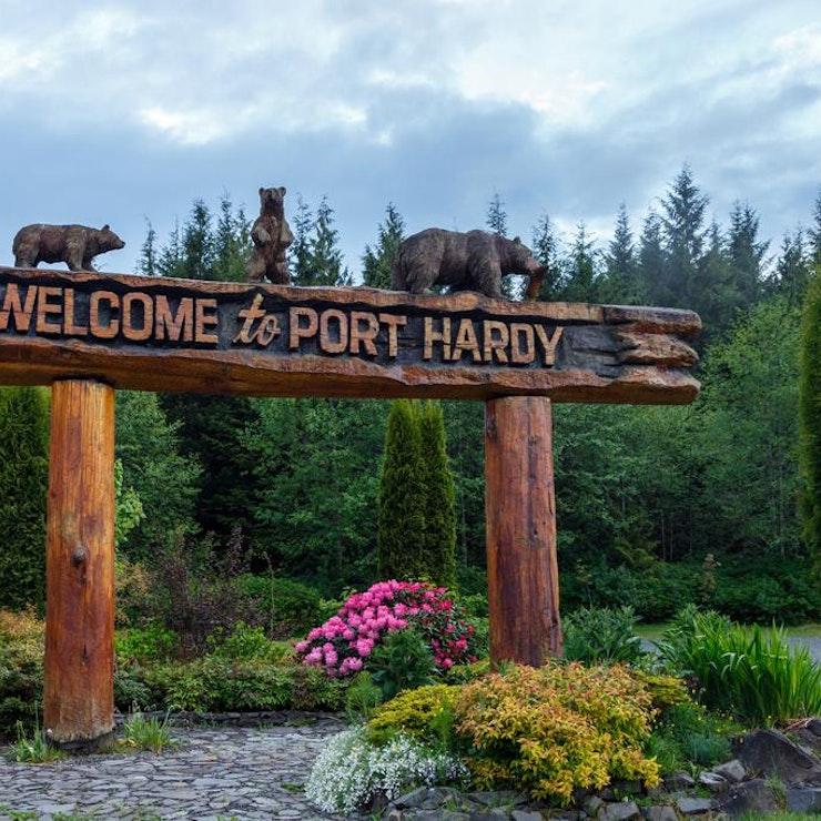 Welkomstbord Port Hardy inside passage canada ferry