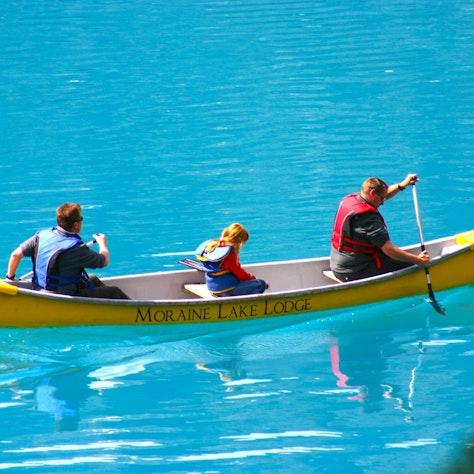 Kano Moraine Lake Lodge