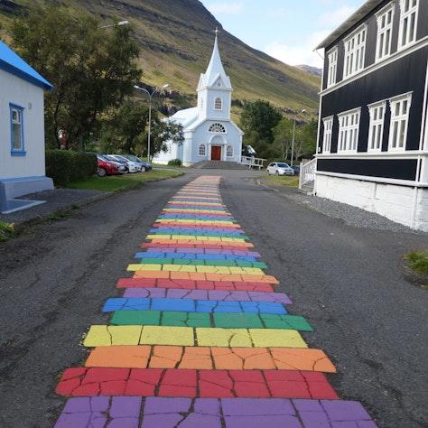 Blauwe kerkje in Seyðisfjörður
