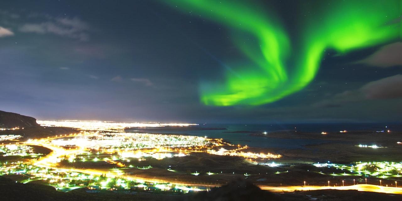 Noorderlicht boven Reykjavík