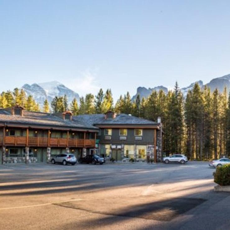 Lake Louise Mountaineer Lodge