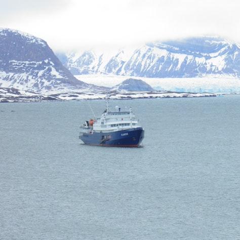 Plancius cruiseschip
