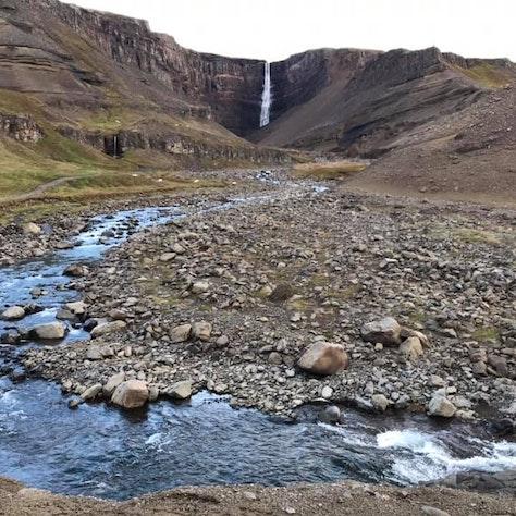 Hengifoss waterval