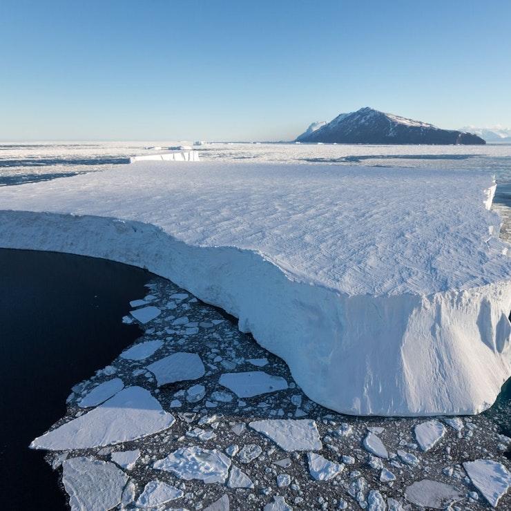 Tafel ijsberg, Cape Adare, Ross Zee