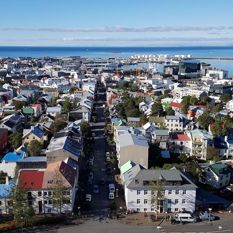 Uitzicht op Reykjavík vanaf de Hallgrímskirkja, IJsland