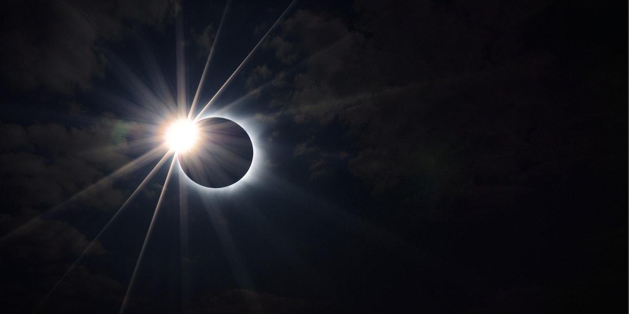 Solar Eclipse, zonsverduistering